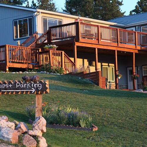 Sawin' Logs Bed & Breakfast